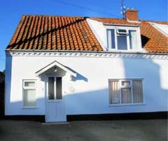 April Cottage, Wells, Norfolk. Self-Catering Cottage Side View